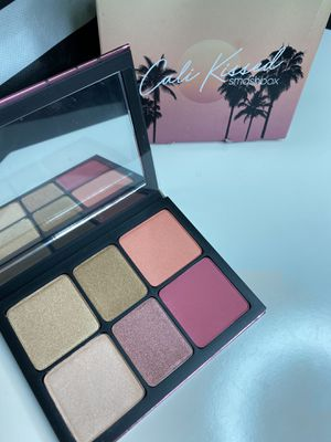 Smashbox Cali kissed pallet for Sale in Long Beach, CA