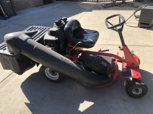 Snapper 28in ride on gas mower hi vac 12.5hp Briggs and Stratton engine for Sale in San Dimas, CA