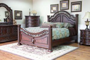 Beautiful 5 Piece Bedroom Furniture for Sale in Fort Rucker, AL