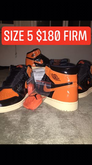 Size 5 Jordans 1s for Sale in Los Angeles, CA