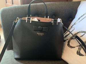 Like New Black Leather Kate Spade ♠️ Purse for Sale in Sheffield Lake, OH