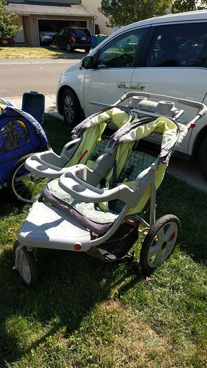 InStep Safari double jogging stroller for Sale in Vancouver, WA