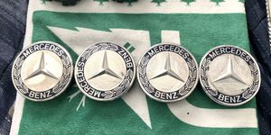 Mercedes-Benz Oem Tri Tab Used Centercaps Set for Sale in West Covina, CA