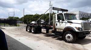 2012 International 7600 rolloff for Sale in Miami Gardens, FL