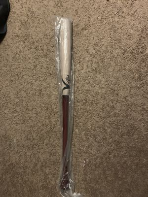 Brand new victus wood bat in packaging 34/31 for Sale in Pompano Beach, FL