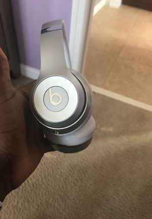 BEATS SOLO 3(silver) Price negotiable ‼️ for Sale in Kissimmee, FL