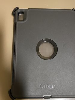 iPad Air 4rth Gen Otterbox Defender Like New for Sale in Fort Lauderdale,  FL