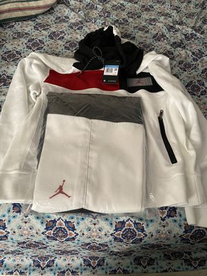 Brand new with tags Jordan retro 11 set hoodie and pants size men's medium for Sale in San Antonio, TX