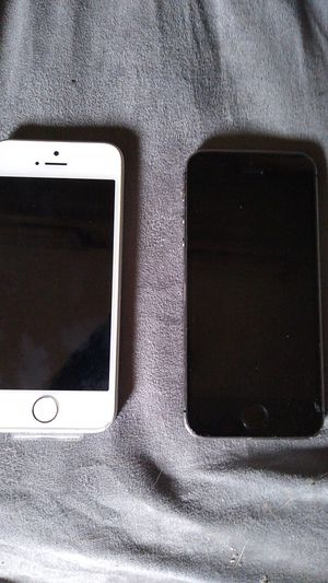 iphones 1- 5 & 1 - 5se for Sale in Hayward, CA