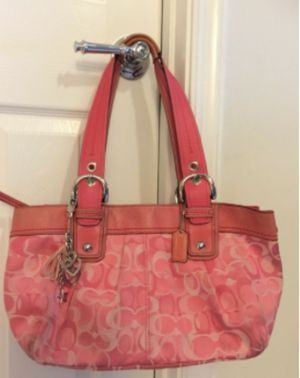 Pink Coach bag for Sale in Woodbridge, VA
