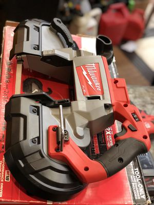 Milwaukee M18 Cordless Bandsaw for Sale in Garden Grove, CA