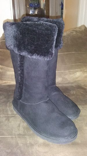 Women's size 8 Arizona winter boots for Sale in American Fork, UT