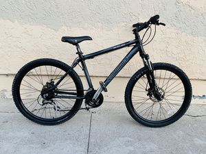 North rock /disc brakes / excellent condition 9/10 for Sale in East Los Angeles, CA