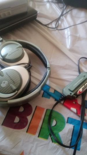 Skullcandy OTE Headphones with Subwoofer for Sale in Paulsboro, NJ