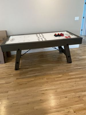 """Air Hockey Table, Like New - 42"""" x 84"""" for Sale in LAUD BY SEA, FL"""