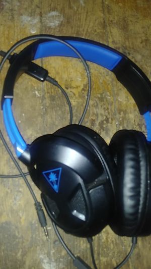 Game HEADPHONES for Sale in Cleveland, OH