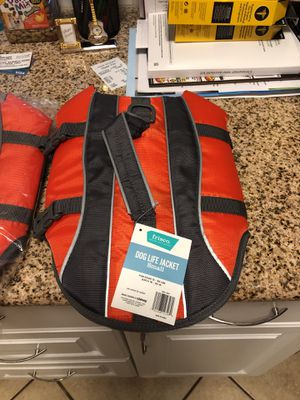 Small doggie life vests for boating for Sale in San Tan Valley, AZ