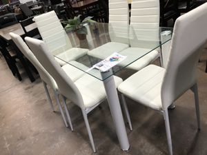 Dining table with 6 chairs. Brand new. for Sale in Carrollton, TX