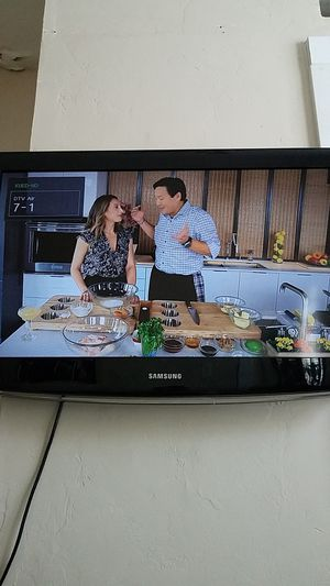"Samsung 32"" tv for Sale in South Salt Lake, UT"