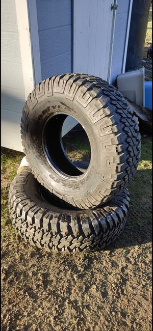 "2 Goodyear Wrangler MT 37"" mud terrain tires 37/12.5/17 for Sale in Jamul, CA"