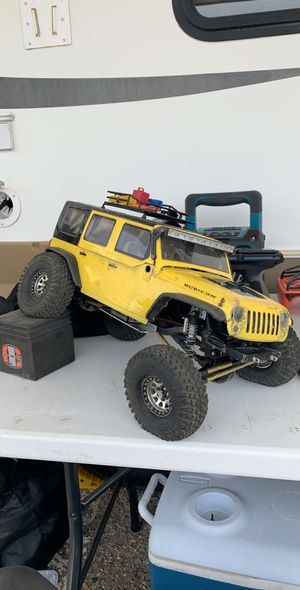 Axial scx10 with lots of upgrades for Sale in Riverside, CA