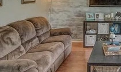 Electronic reclining couch for Sale in Glen Carbon,  IL