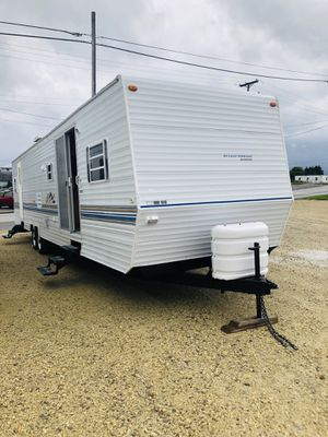 2000 Innsbruck with 2 slides and front bunks for Sale in Lima, OH