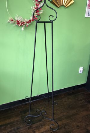 Tall Black Metal Easel for Sale in Fuquay-Varina, NC