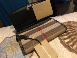 Burberry Wallet for Sale in Winnie, TX