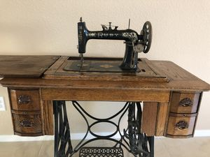 Antique Treadle Sewing Machine for Sale in Tucson, AZ