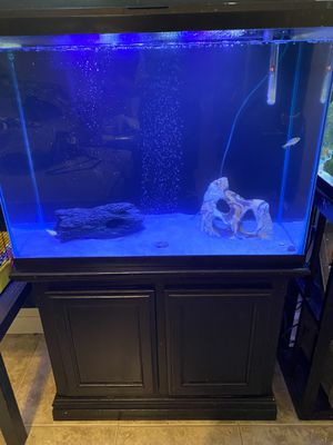 40 gallon fish tank and stand for Sale in Bakersfield, CA