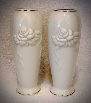 """VASE SET Antique Style Original Vintage 2 LENOX Fine Ivory Porcelain Vases PAIR Flower/Floral Gold Trimmed 7 1/2"""" Tall for Sale in San Diego, CA"""