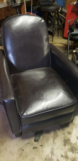 Small leather recliner for Sale in Ashtabula, OH