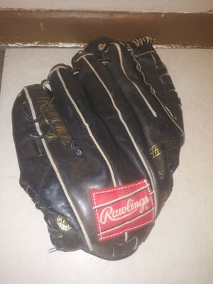 Baseball glove for Sale in Tampa, FL