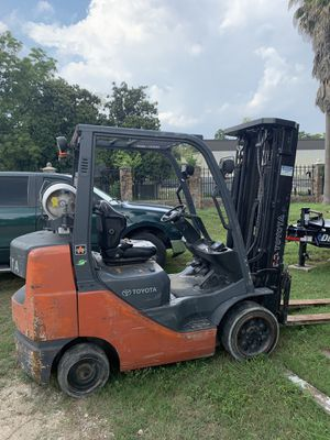 Forklift Toyota for Sale in Houston, TX