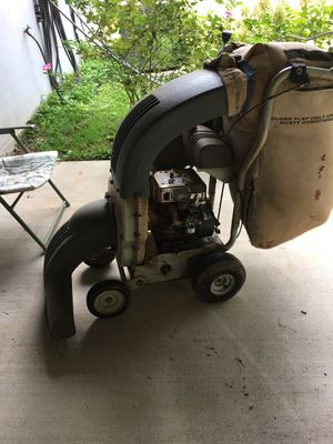 White lawn vacuum for Sale in Lynchburg, VA