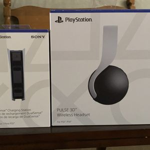PlayStation 5 Accessory Bundle (Headset & Charger) for Sale in Fresno, CA