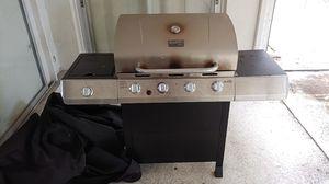 Char-Broil Propane Grill for Sale in Sarasota, FL