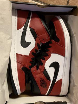 Jordan 1 mid Chicago for Sale in Phoenix, AZ