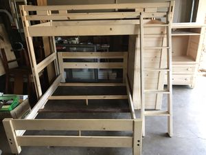 Full and twin size bunk bed for Sale in Arlington, TX