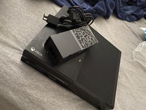 Xboxone 500gb with controller for Sale in Tampa, FL
