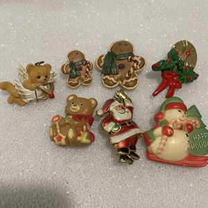 Vintage Broaches for Sale in Bakersfield, CA