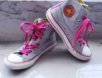 Girls Converse Size 2 for Sale in Chandler, AZ
