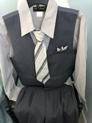 Boys suit for Sale in Wenatchee, WA