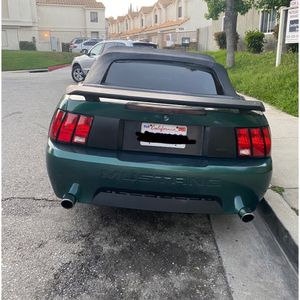 Ford mustang v6 2000 for Sale in Los Angeles, CA