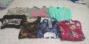 Women's clothes size 0 to 1 for Sale in Jacksonville, FL