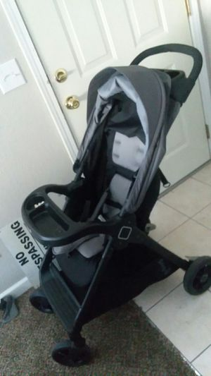 Car seat and stroller combo for Sale in Richland, WA