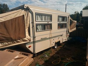 MXL Palomino Hard Sided Pop-Up Camper for Sale in Sweet Home, OR