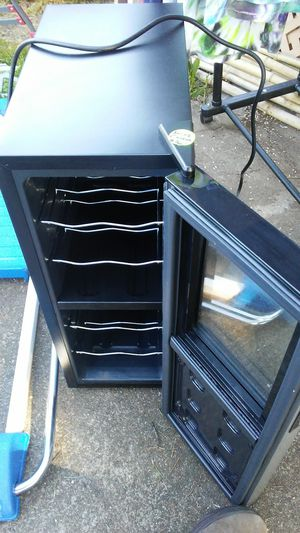 $30 Nice Wine Cooler for Sale in Eugene, OR
