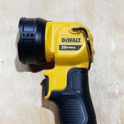 Dewalt 20v Max LED Work light (Bare Tool) for Sale in Peoria,  IL
